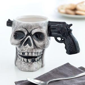 Hrnček lebka s pištoľou